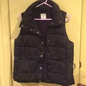 Old Navy Puffer Vest ( L)